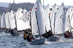 Optimist a Trieste leggera