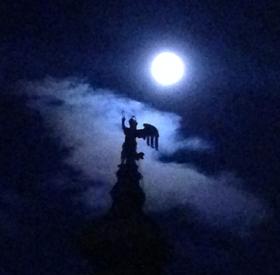 L'Angelo e la Luna leggera