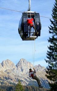 soccorso alpino esercitazione Evacuazione impianti Falcade (2)