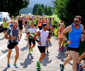 Cansiglio Run_Il gruppo dopo la partenza